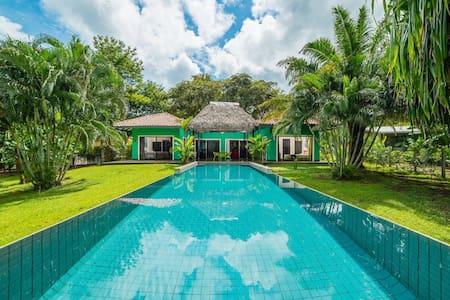 Casa Verde Tamarindo