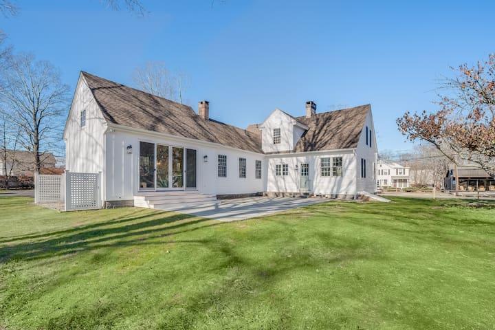 Beautiful + Re-imagined Modern Farmhouse