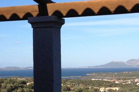 Villa difronte al mare e all'isola di Tavolara - Maltineddu