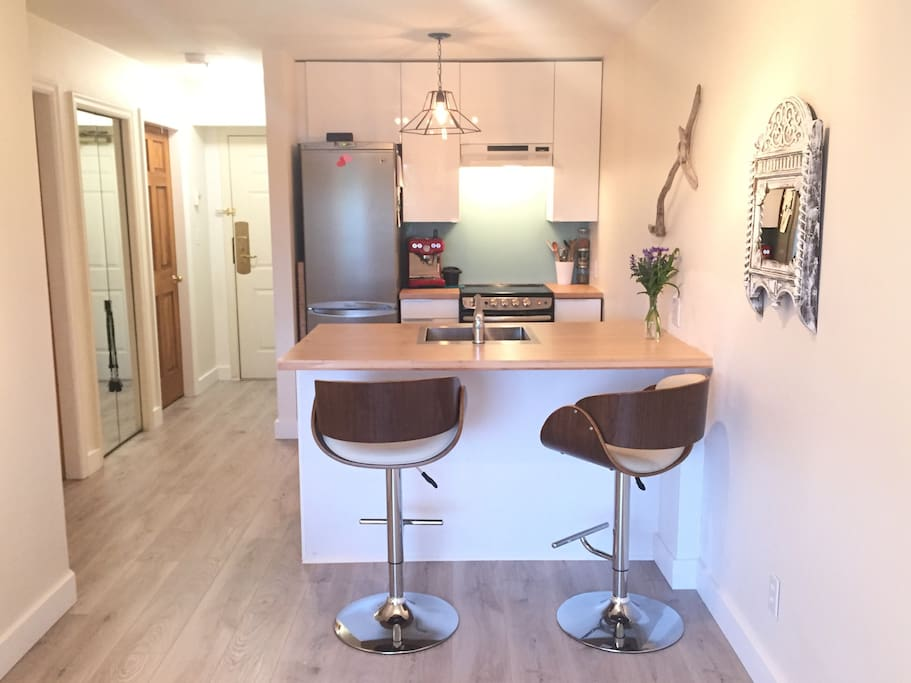 Fully equipped kitchen with an espresso maker for your enjoyment!