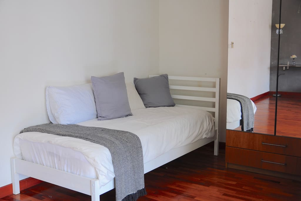 Bedroom 2A (Level 2): Single Bed and Wardrobe with Full Length Mirror