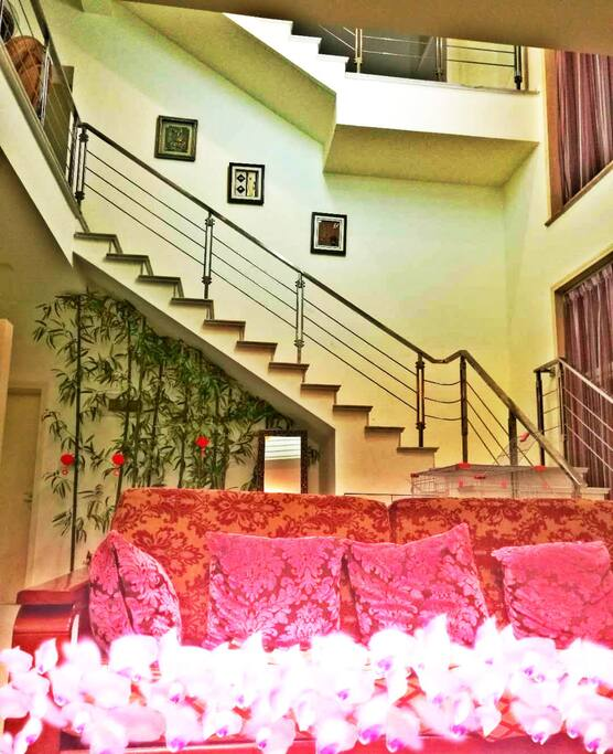 入户上二楼