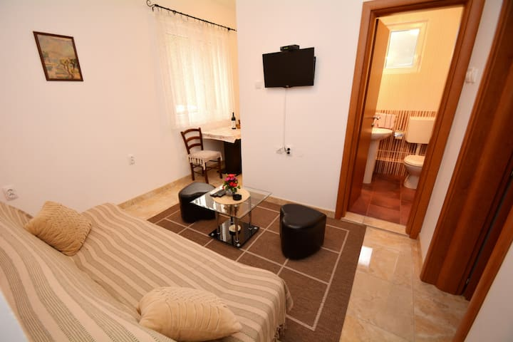 Apartment - Ground Floor in centre of Kotor