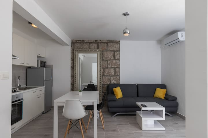 Batala Garden-Cozy 1 Bedroom Apartment with Patio