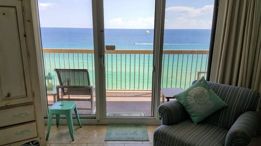 Remodeled Condo, Right On The Beach, Amazing Views - Destin - Byt