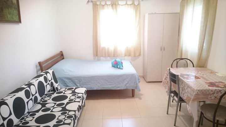 2-х комнатная, тихая, уютная квартира в Бат-Яме