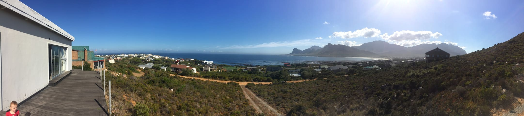 Bennie's Stunning view on False Bay - Pringle Bay - House
