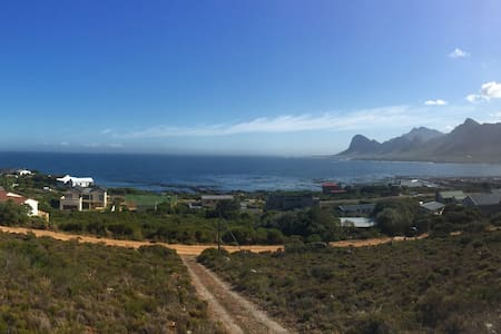 Bennie's Stunning view on False Bay - Pringle Bay