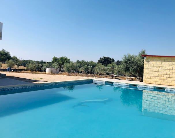 Apartamento con piscina totalmente nuevo!