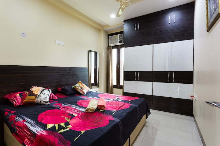 My Oasis in Central Delhi- 3 BHK with lift/ Stairs