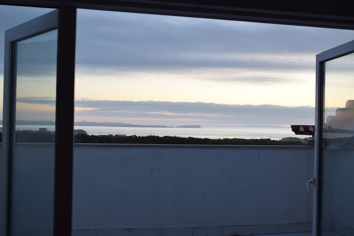 Baleal Sea View Rooms with private terrace and WC