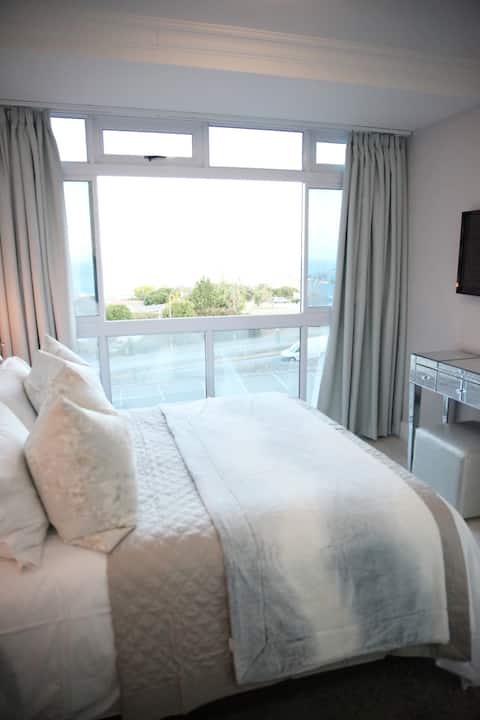 In Touch Seaview Apartment