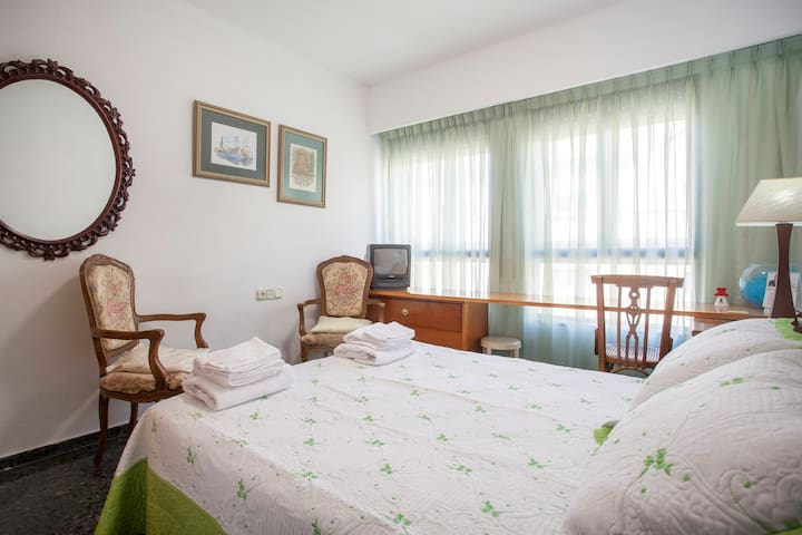 Bright flat in the center of Valencia