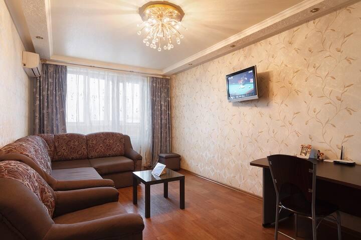 2-комнатная квартира возле метро Студенческая.