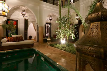 SUPER CENTRAL RIAD IN EXCLUSIVITY WITH POOL & WIFI