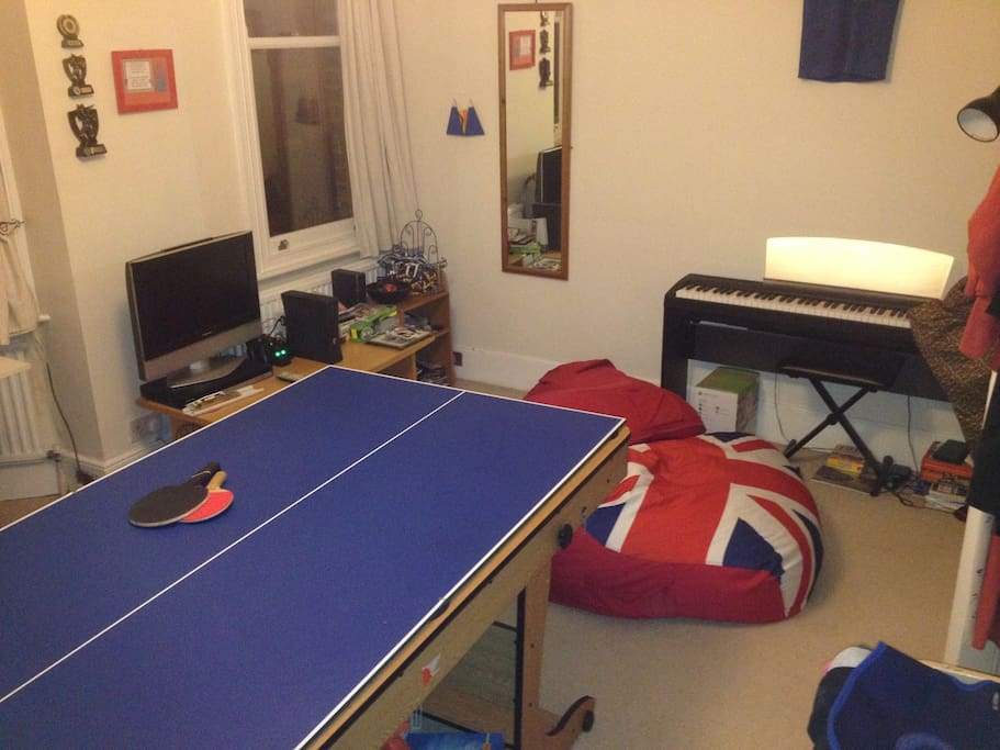 Games room. xbox,table tennis/pool table/piano/darts