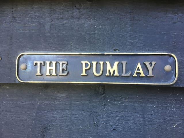 The Pumlay, charming barn in West Horsley, Surrey