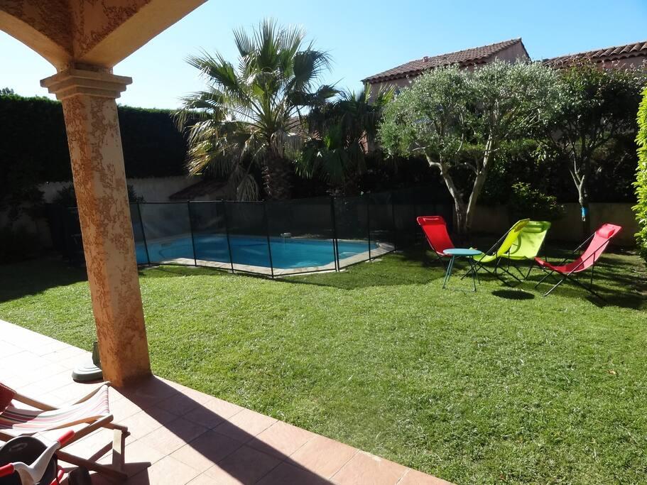 maison avec piscine maisons louer marseille provence alpes c te d 39 azur france. Black Bedroom Furniture Sets. Home Design Ideas