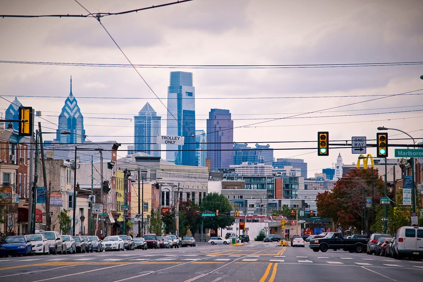 View of the city from the Fishtown neighborhood. Center city is easily accessible (10-15 mins) by train/metro/subway, bus, bikes, uber/lyft/taxi cab. And there is tons to do in Fishtown (cafes, restaurants, bars/pubs/breweries, parks, art, music venues, and more)!