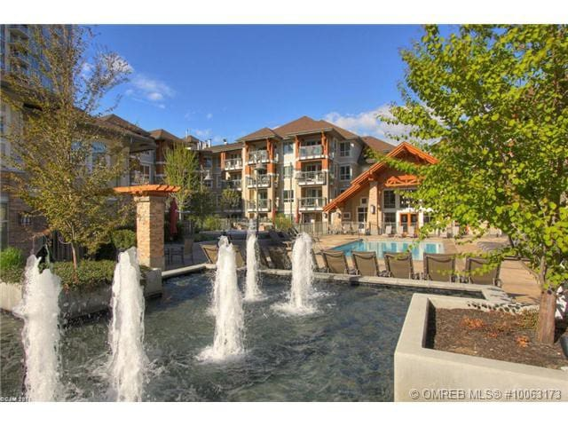 Downtown top floor apartment steps from the beach - Kelowna - Apartemen