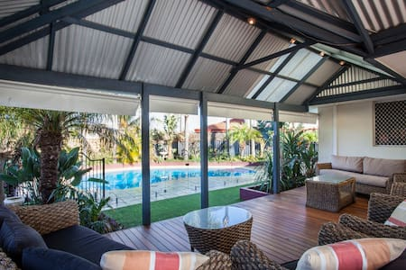 Sunset Coast Retreat - Warwick - Huis