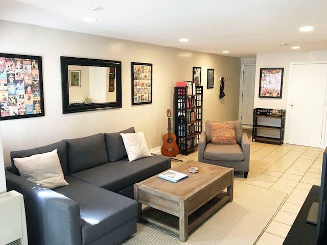 Cute Private 2Br Apt in the Mission with Parking!