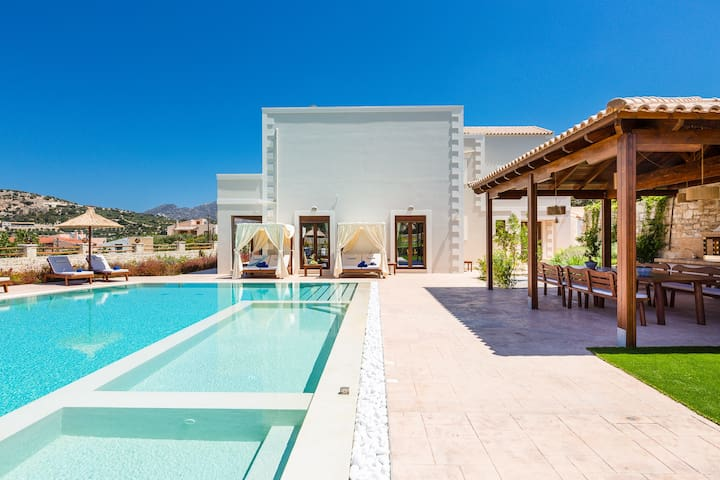 Private 100m2 swimming pool embellished with a  children's compartment & a gorgeous Jacuzzi!