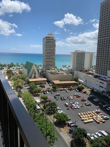 Beautiful Waikiki Beach view w. free parking
