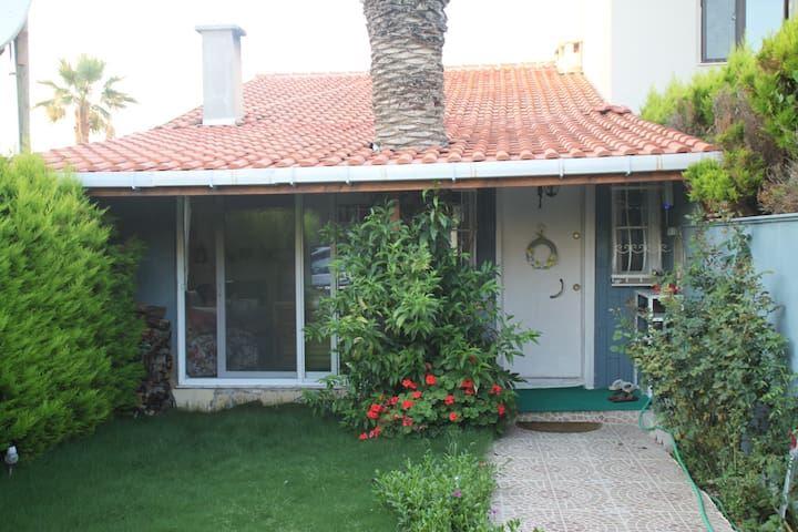 Quiet beachfront house in IZMIR - İzmir - Villa