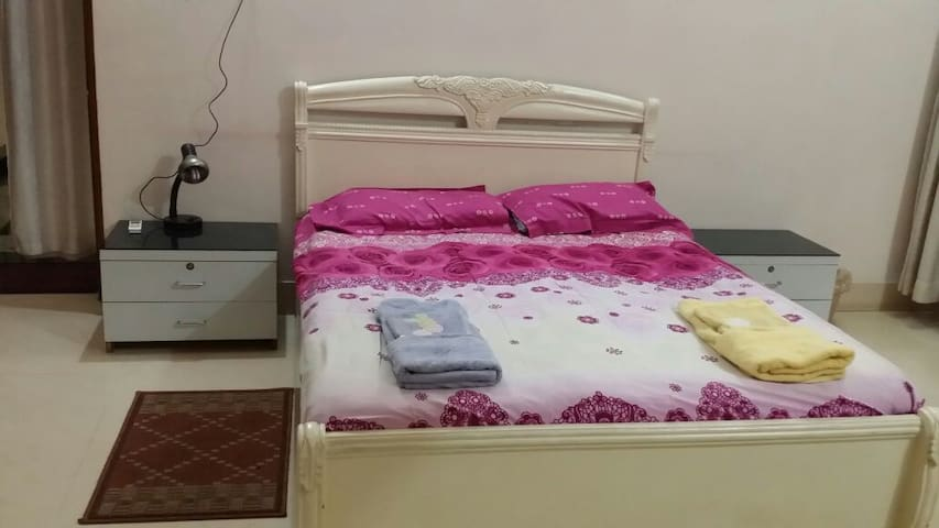 Safe Room in classy Civil Town - Rourkela - Casa