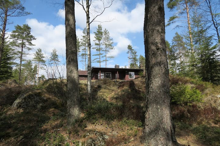 Cozy cottage with great views of the lake - Enebakk - Cabin