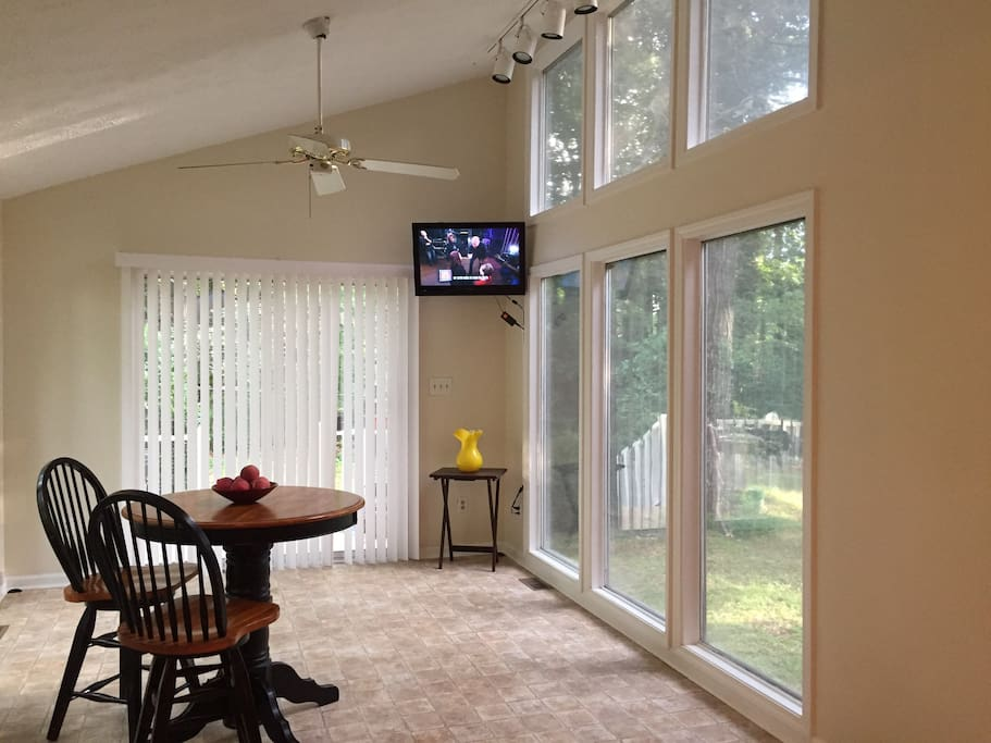 Dining area sunroom w/ TV cable access and nice private backyard view