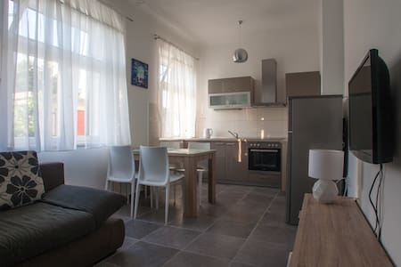 Apartment 100 m from the sea, A 2+2 - Trogir