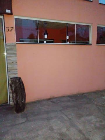 Casa grande c/ 2 quartos- Praia de Meaipe