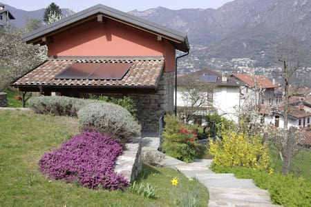 B&B cottage in the garden - Osteno-claino - Cabane