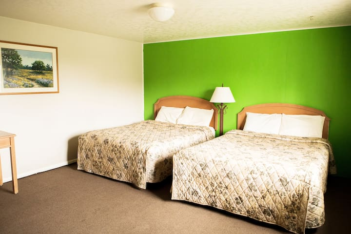 Bear Lake Motor Lodge Room #11