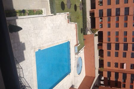 8 min fm airport-Lovely-sunny room - Apartment