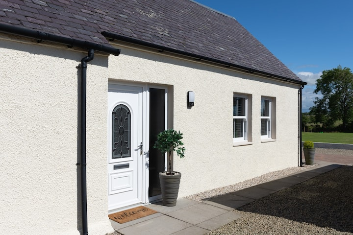 Morden Bungalow in countryside location