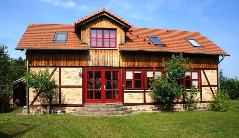 Ein Haus für Familien mit Kindern - Godendorf - Casa