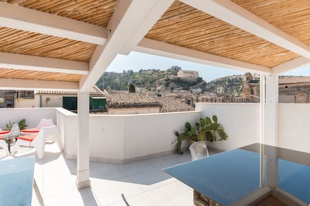 Sicilian House with Terrace 2 - Scicli