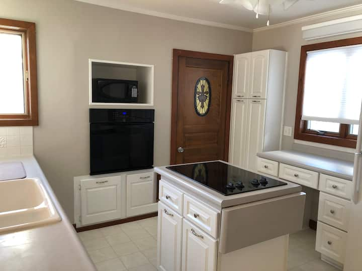 Riverview home near Golf,  Road America and Lake