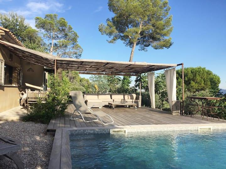 ❤️Villa piscine privée + vue dégagée au calme❤️