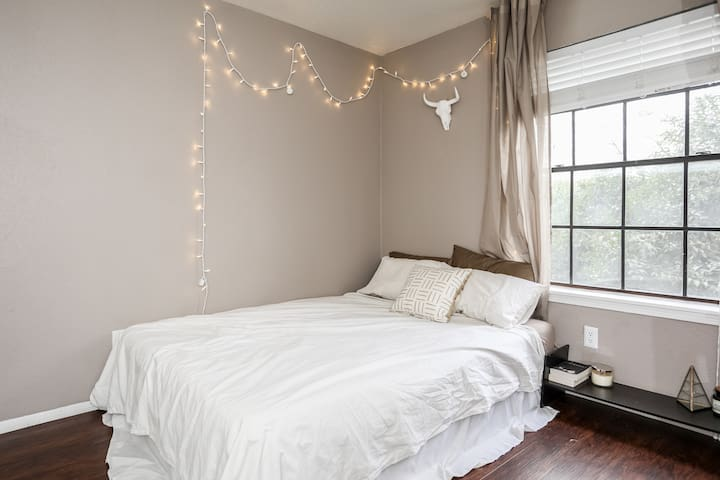 Cute Modern One Bedroom - Austin - Leilighet