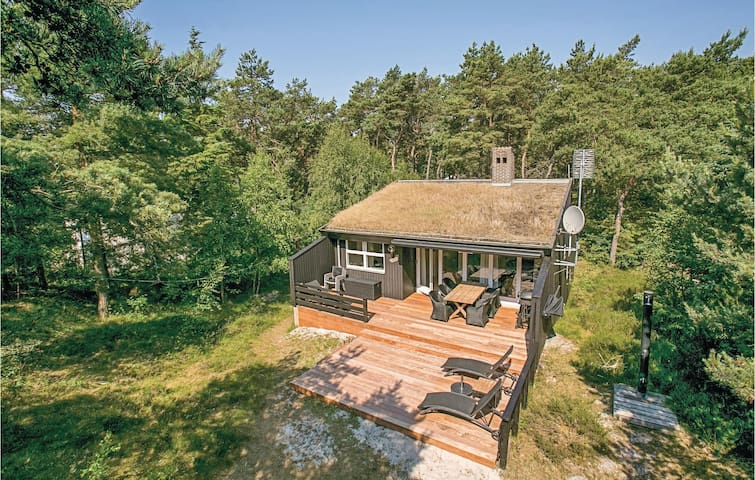 Holiday cottage with 3 bedrooms on 91m² in Nexø