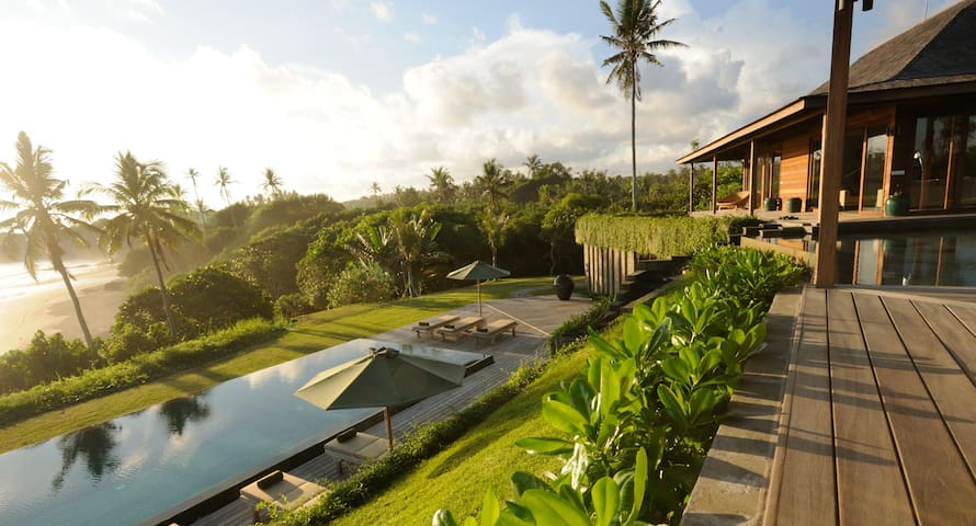 AMAZING BEACH RETREAT, CHEF & STAFF - バリ、インドネシア - 別荘