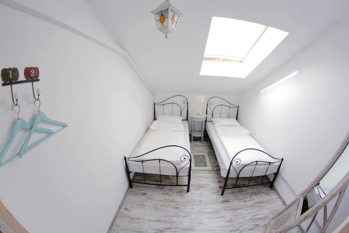 Double Standart Gindza Hostel