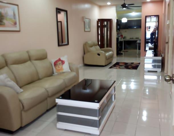 Comfy Home Kuala Krai