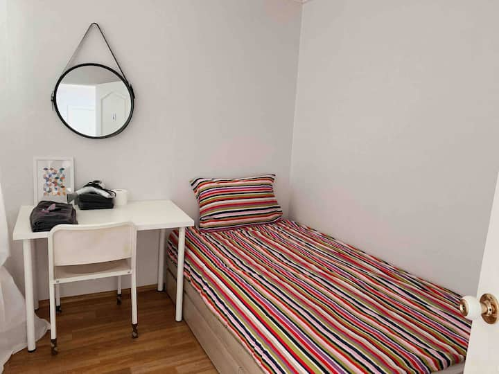 ♥Hongdae/Sangsu station2min/dormitory/female only♥