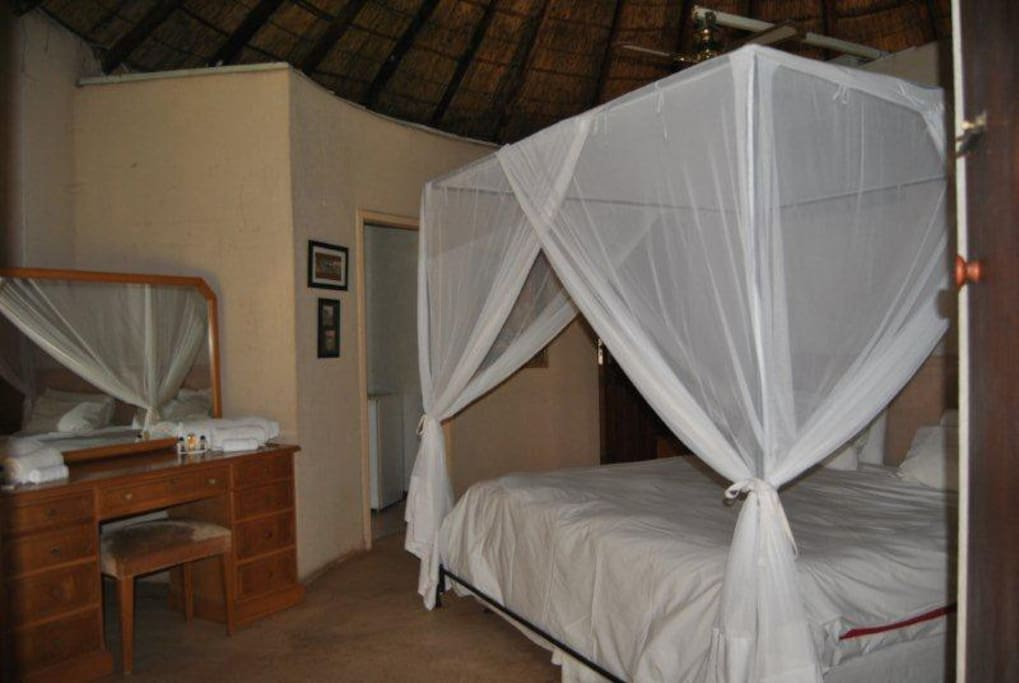 Romantic mosquito nets, great beds and fine cotton percale linen is provided