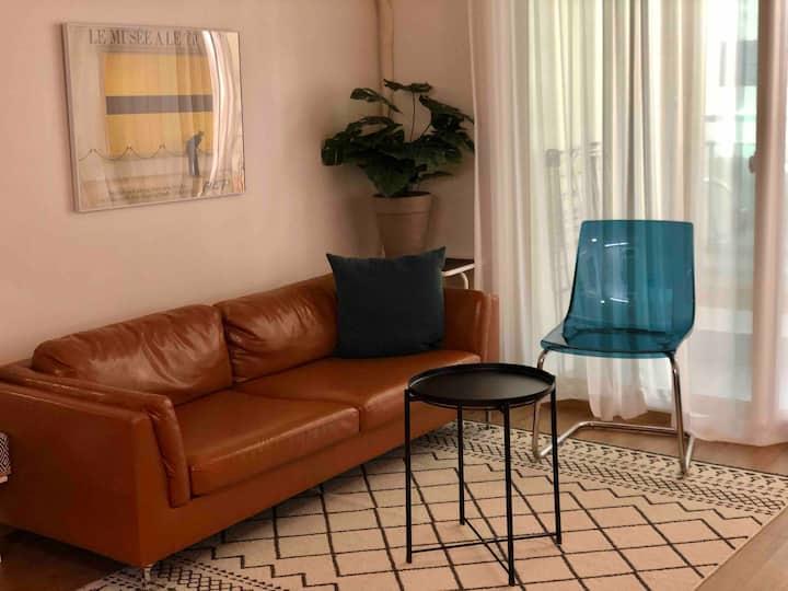 2 Bed rooms 빔프로젝터 Netflix /큰 거실/넓고 쾌적한 숙소